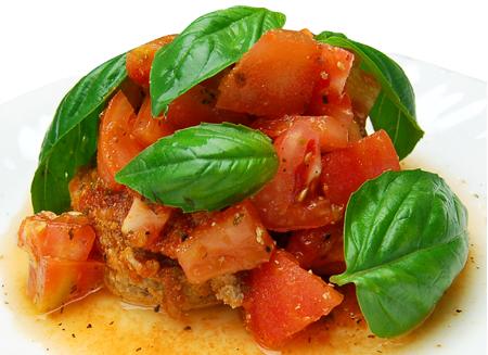 進冷やしハンバーグ フレッシュトマトソース バジル添え