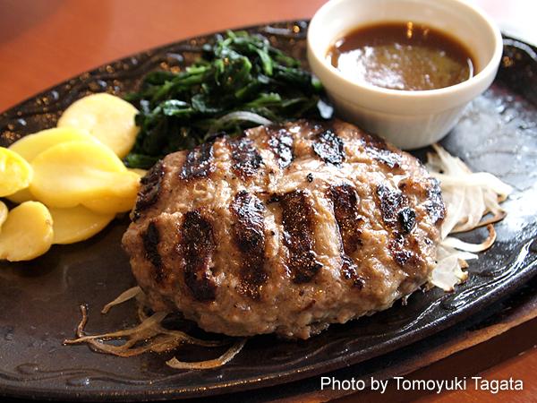 「デニーズ」のリニューアルした「大麦牛100%ハンバーグ」実食レポート!