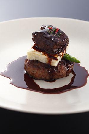 フランス料理 SAKURA 尾崎牛ハンバーグととろけるビーフシチュー