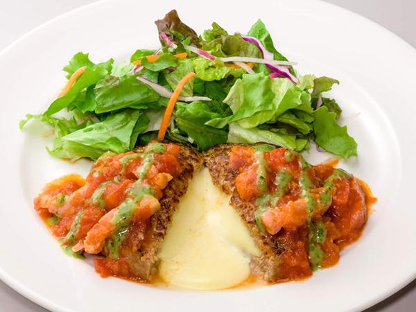 トマトとバジルのイタリアンチーズ IN ハンバーグ