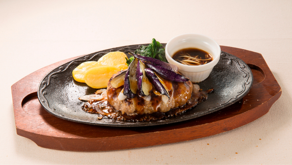 ビーフハンバーグ〜生姜醤油ソース