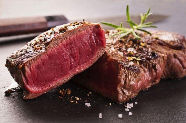 ブラックアンガス牛のビーフステーキ