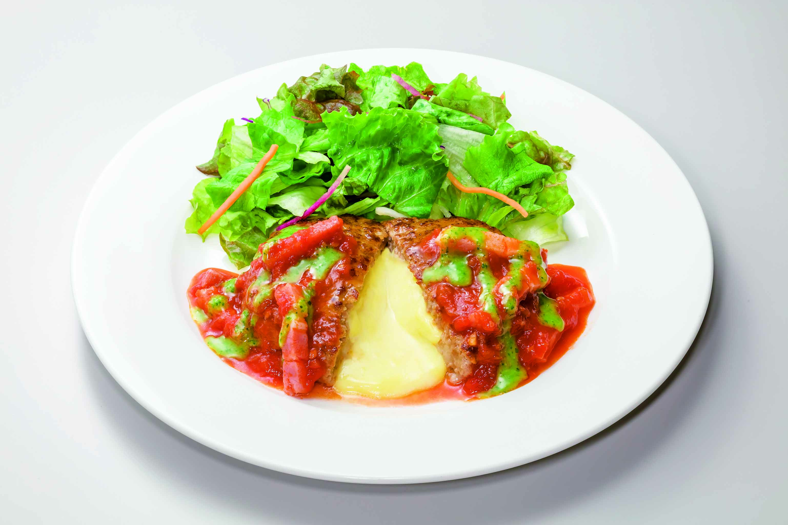 ガスト トマトとバジルのイタリアンチーズインハンバーグ
