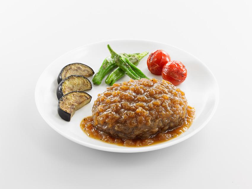 石井食品 筑波山麓の玉ねぎを使ったハンバーグ オニオンソース 盛り付け例