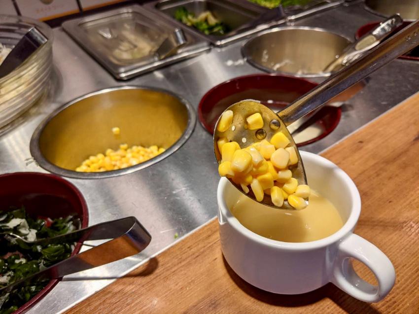 ステーキガスト 健康サラダバー コーンスープ